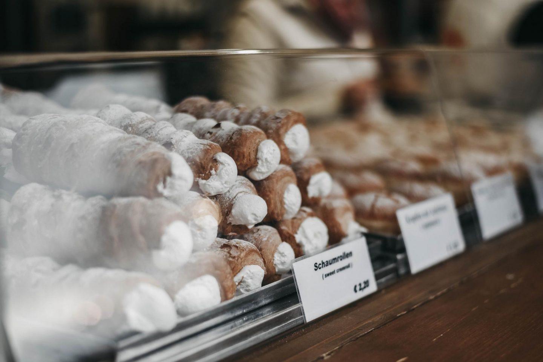 Vienna Christmas market Schaumrollen